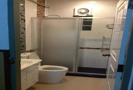 For Sale 4 Beds 一戸建て in Mueang Chon Buri, Chonburi, Thailand