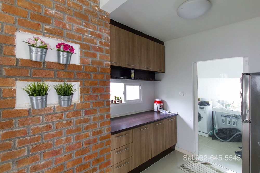 For Sale 3 Beds House in Bang Sao Thong, Samut Prakan, Thailand | Ref. TH-ALQLLIXS