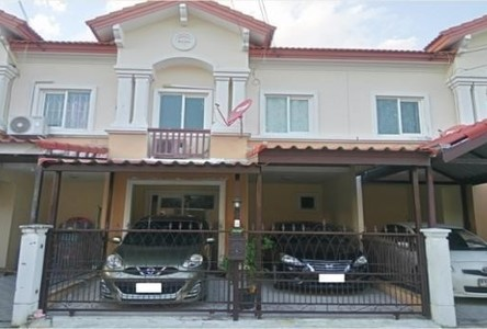 For Sale 3 Beds Townhouse in Bang Phli, Samut Prakan, Thailand
