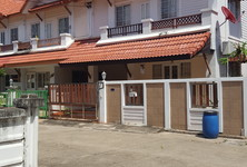 For Sale 4 Beds Townhouse in Mueang Samut Sakhon, Samut Sakhon, Thailand