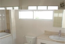 For Rent 4 Beds 一戸建て in Chonburi, East, Thailand
