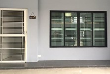 Продажа: Таунхаус с 4 спальнями в районе Mueang Nonthaburi, Nonthaburi, Таиланд