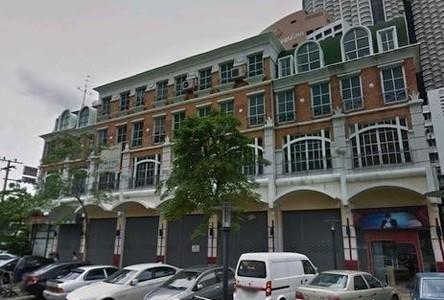 В аренду: Кондо 165 кв.м. в районе Bangkok, Central, Таиланд
