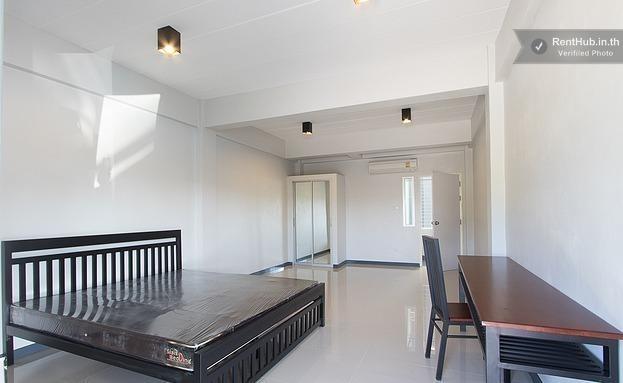 For Rent 1 Bed タウンハウス in Si Racha, Chonburi, Thailand   Ref. TH-EHEKOAVD