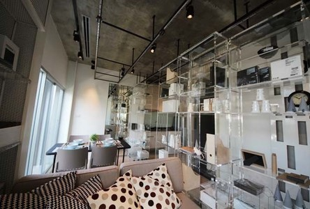 For Sale 2 Beds Condo Near MRT Thailand Cultural Centre, Bangkok, Thailand