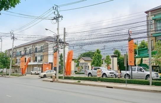 For Sale 3 Beds Townhouse in Sai Mai, Bangkok, Thailand | Ref. TH-GYQTQIGH