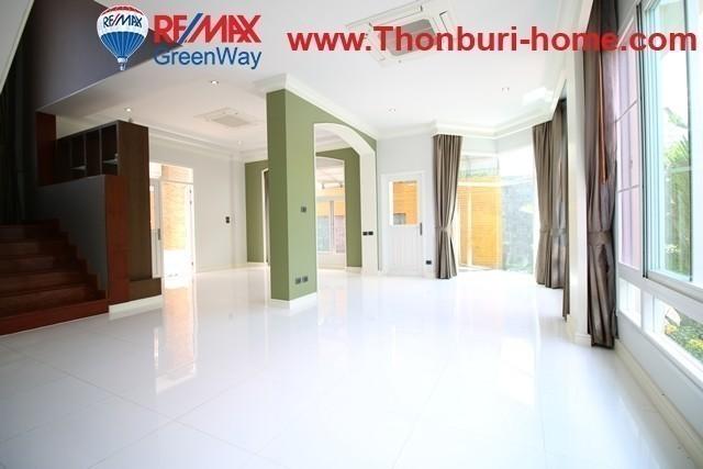 For Sale 3 Beds 一戸建て in Prawet, Bangkok, Thailand | Ref. TH-RLEHEYAN