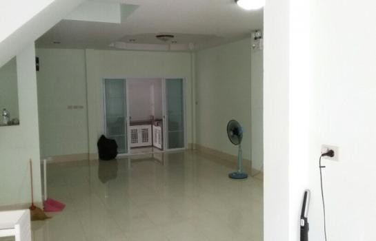 For Rent 3 Beds タウンハウス in Mueang Songkhla, Songkhla, Thailand | Ref. TH-AJBTOZPH