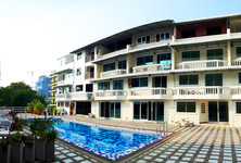 For Sale 4 Beds Townhouse in Pattaya, Chonburi, Thailand