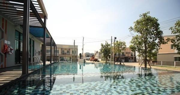 For Sale 3 Beds タウンハウス in Bang Bua Thong, Nonthaburi, Thailand   Ref. TH-NHPSTKIY
