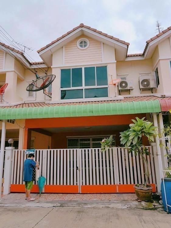 For Sale 3 Beds タウンハウス in Lam Luk Ka, Pathum Thani, Thailand | Ref. TH-FFTPNZBI
