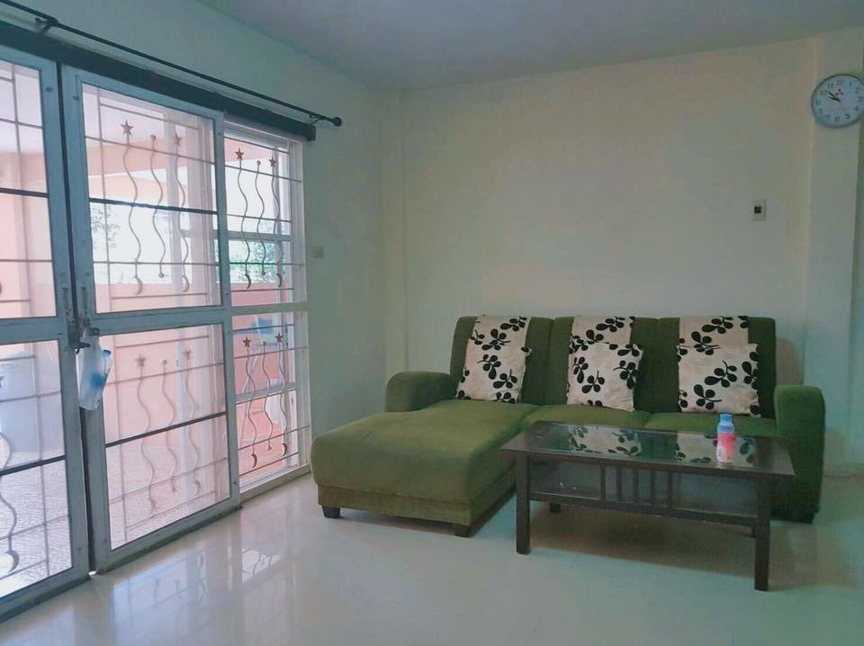 For Sale 3 Beds タウンハウス in Lam Luk Ka, Pathum Thani, Thailand | Ref. TH-FMEBWDMA