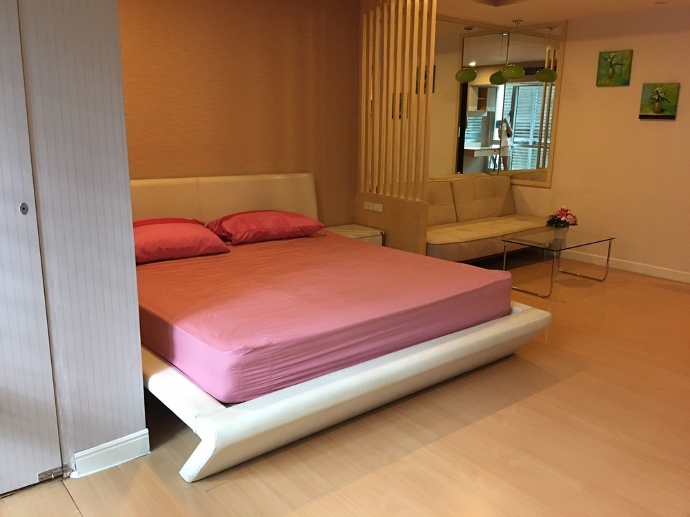 The Trendy Condominium - В аренду: Кондо 36 кв.м. возле станции BTS Nana, Bangkok, Таиланд | Ref. TH-TZMBRUFH