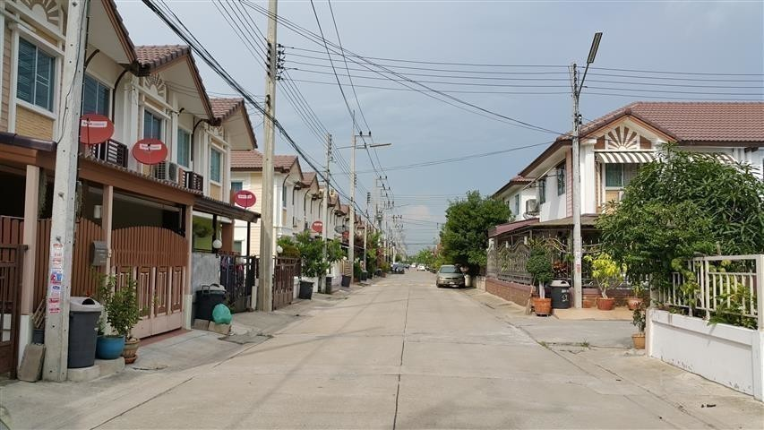 For Rent 3 Beds Townhouse in Phutthamonthon, Nakhon Pathom, Thailand   Ref. TH-UUPUZNGO