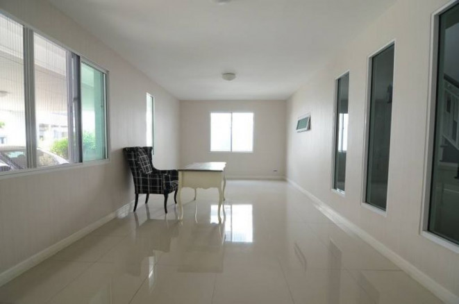 For Sale 3 Beds House in Bang Khae, Bangkok, Thailand   Ref. TH-HOTVCXWV
