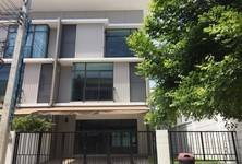 For Sale or Rent 4 Beds Townhouse in Don Mueang, Bangkok, Thailand