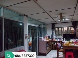 For Sale 20 Beds 一戸建て in Mueang Pathum Thani, Pathum Thani, Thailand | Ref. TH-UYQDHDZR