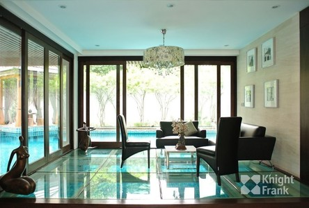 For Sale 8 Beds 一戸建て in Khlong Toei, Bangkok, Thailand