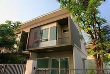 Продажа: Таунхаус с 2 спальнями в районе Mueang Samut Prakan, Samut Prakan, Таиланд