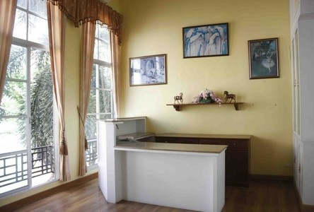 For Sale 4 Beds Townhouse in Yan Nawa, Bangkok, Thailand