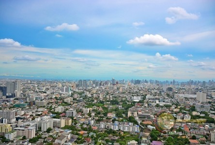 For Sale 4 Beds Condo in Lat Phrao, Bangkok, Thailand
