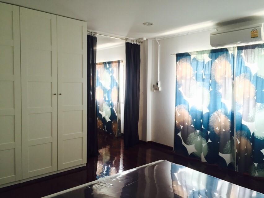 ให้เช่า ทาวน์เฮ้าส์ 7 ห้องนอน สาทร กรุงเทพฯ | Ref. TH-RORAFGMG