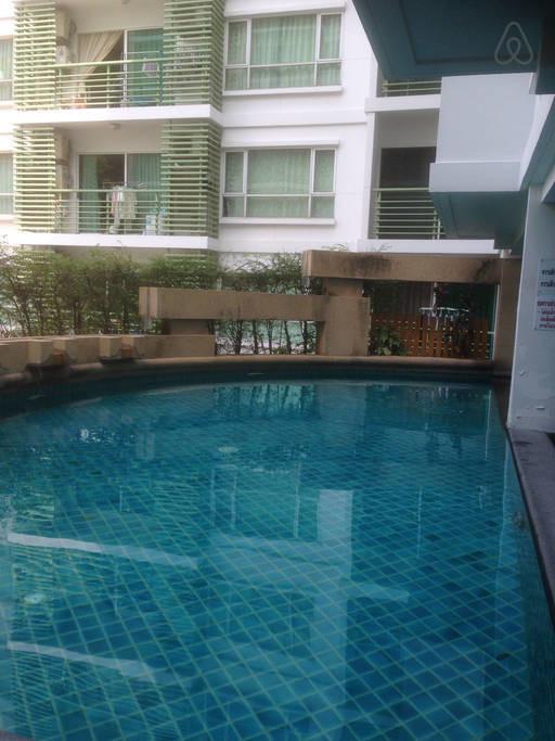 Phahol Metro - For Rent Condo 35 sqm in Phaya Thai, Bangkok, Thailand | Ref. TH-EQQVPHIZ