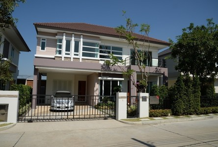 For Rent 3 Beds 一戸建て in Mueang Samut Prakan, Samut Prakan, Thailand