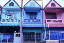 For Sale 3 Beds Townhouse in Ban Bueng, Chonburi, Thailand