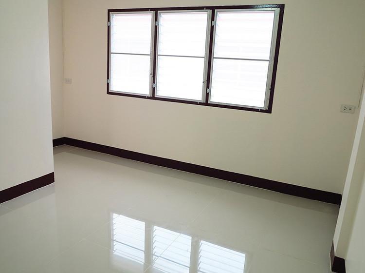 Продажа: Таунхаус с 2 спальнями в районе Sam Phran, Nakhon Pathom, Таиланд | Ref. TH-URYMLKWO