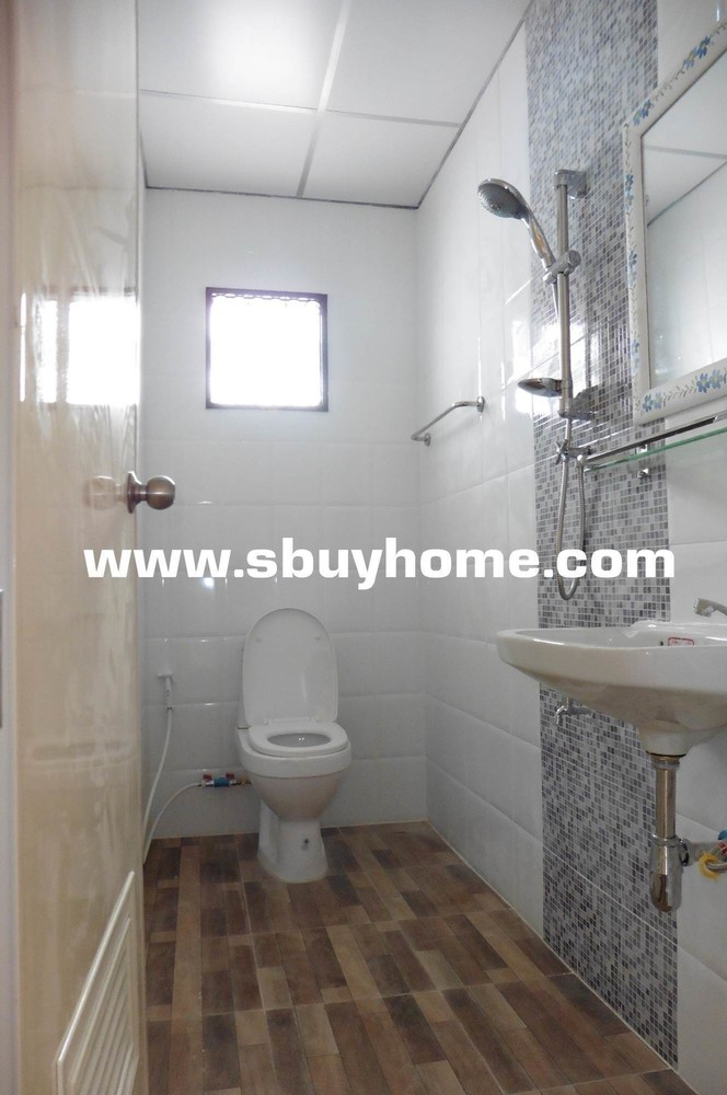 For Sale 3 Beds Townhouse in Don Mueang, Bangkok, Thailand | Ref. TH-WKNKANLN