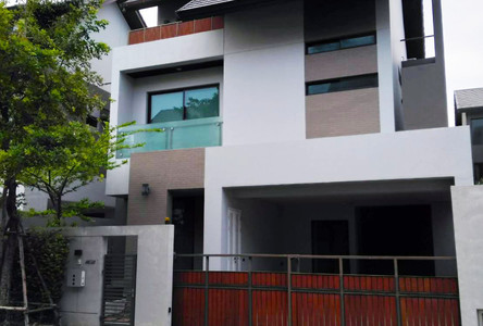 For Rent 3 Beds 一戸建て in Lat Phrao, Bangkok, Thailand