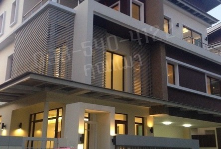 For Sale 5 Beds 一戸建て in Chom Thong, Bangkok, Thailand