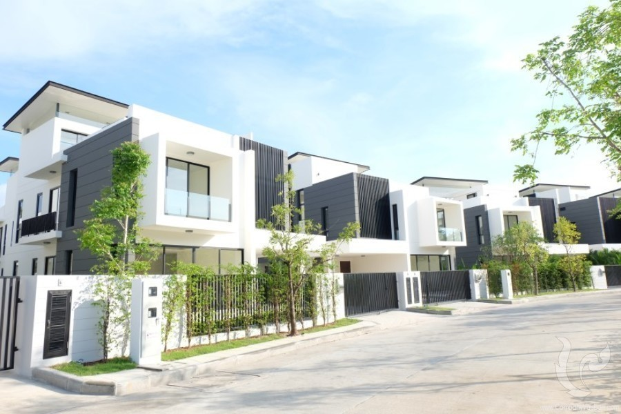 For Sale 3 Beds Townhouse in Thalang, Phuket, Thailand | Ref. TH-SXCCJFCU