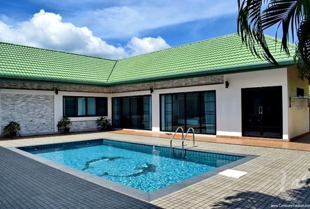 For Sale or Rent 5 Beds 一戸建て in Mueang Phuket, Phuket, Thailand
