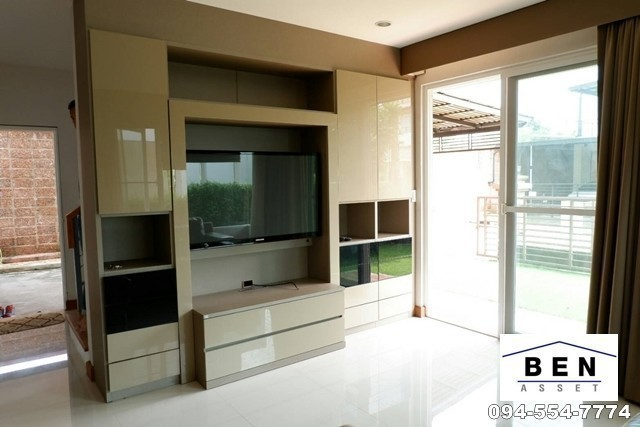 For Sale 3 Beds 一戸建て in Thanyaburi, Pathum Thani, Thailand | Ref. TH-NUOZECBQ