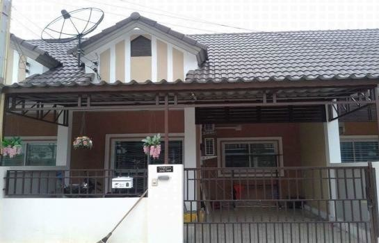 For Rent 2 Beds タウンハウス in Si Racha, Chonburi, Thailand | Ref. TH-AJBXGUIS