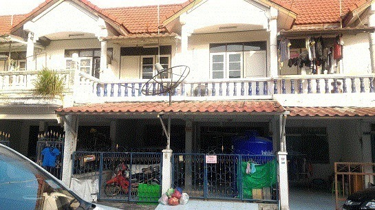 For Rent 3 Beds タウンハウス in Mueang Chon Buri, Chonburi, Thailand | Ref. TH-FQAKNFMA