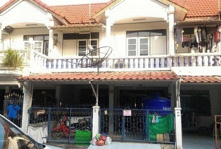 For Rent 3 Beds Townhouse in Mueang Chon Buri, Chonburi, Thailand