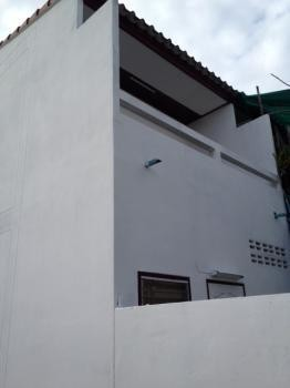 For Sale 2 Beds タウンハウス in Mueang Lampang, Lampang, Thailand | Ref. TH-PHELDEGE