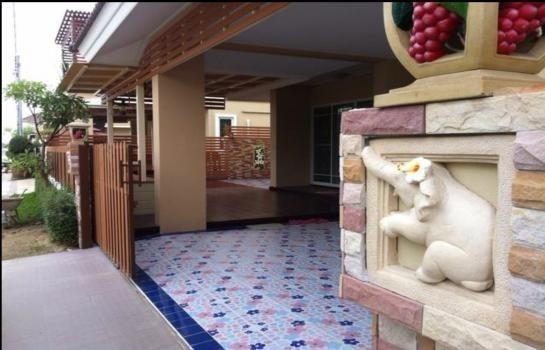 For Sale 5 Beds House in Phutthamonthon, Nakhon Pathom, Thailand | Ref. TH-WNNHFYBJ