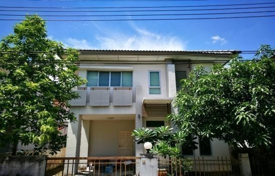 For Sale 3 Beds House in Saphan Sung, Bangkok, Thailand | Ref. TH-KHEBOMBY