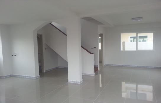 For Rent 3 Beds 一戸建て in Lam Luk Ka, Pathum Thani, Thailand | Ref. TH-NXEEVZTC