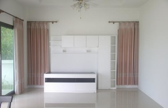 For Sale or Rent 3 Beds 一戸建て in Mueang Nakhon Ratchasima, Nakhon Ratchasima, Thailand | Ref. TH-CZVTHPCG