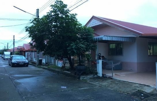 For Sale 3 Beds House in Mueang Khon Kaen, Khon Kaen, Thailand | Ref. TH-XVIBXZOF