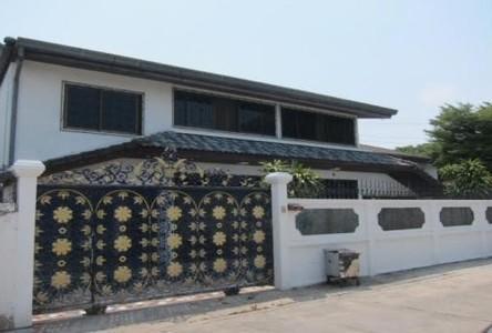 For Sale 6 Beds 一戸建て in Phra Khanong, Bangkok, Thailand
