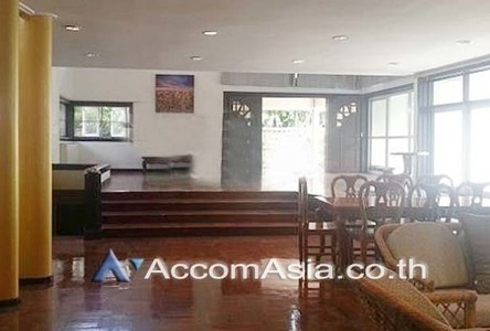 For Rent 3 Beds House in Chatuchak, Bangkok, Thailand