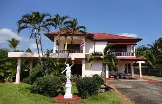 For Sale 7 Beds 一戸建て in Pathio, Chumphon, Thailand | Ref. TH-FYUNKHHH