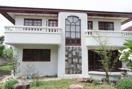 For Sale or Rent 6 Beds 一戸建て in Mueang Pathum Thani, Pathum Thani, Thailand