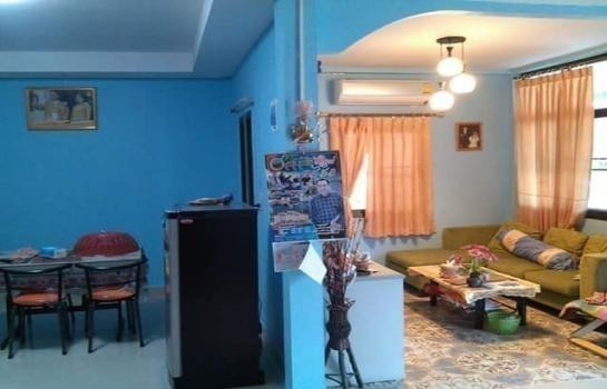 For Sale 3 Beds 一戸建て in Mueang Nakhon Sawan, Nakhon Sawan, Thailand | Ref. TH-GHSYOROM